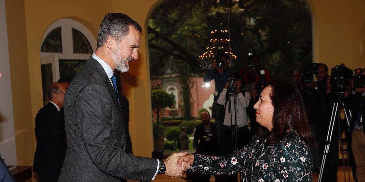 Felipe VI se reúne con representantes de la comunidad española en México