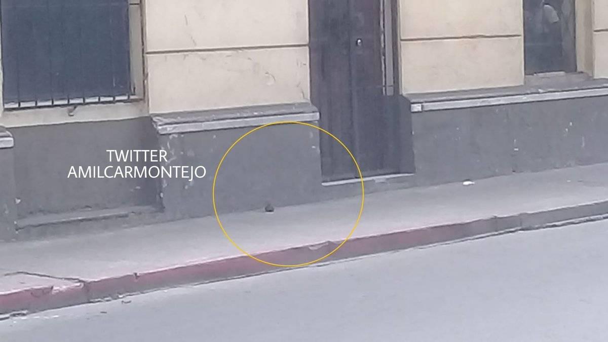 Encuentran artefacto explosivo en banqueta de la zona 1