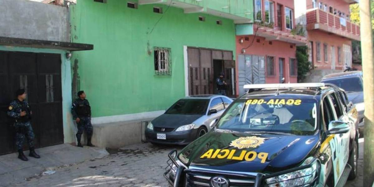 Decomisan droga y dinero en operativo contra el narcotráfico en Zacapa
