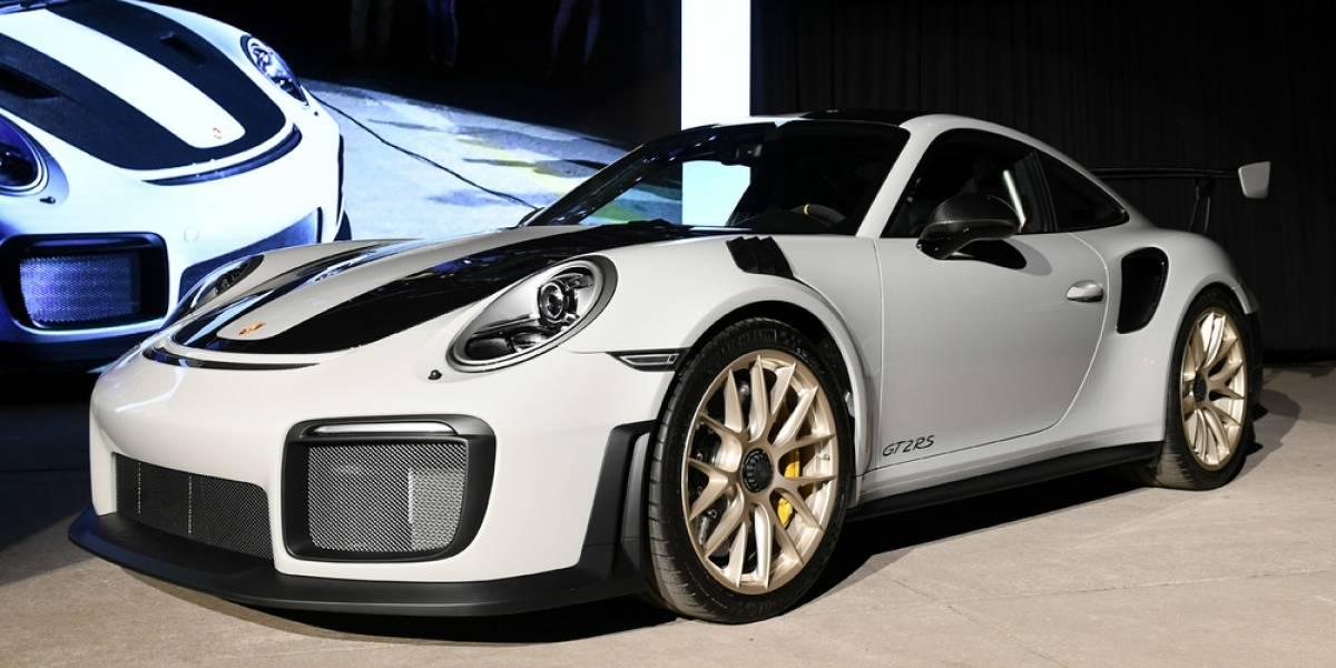 Llega con todo vendido: Porsche lanza en Chile el 911 más rápido de la historia