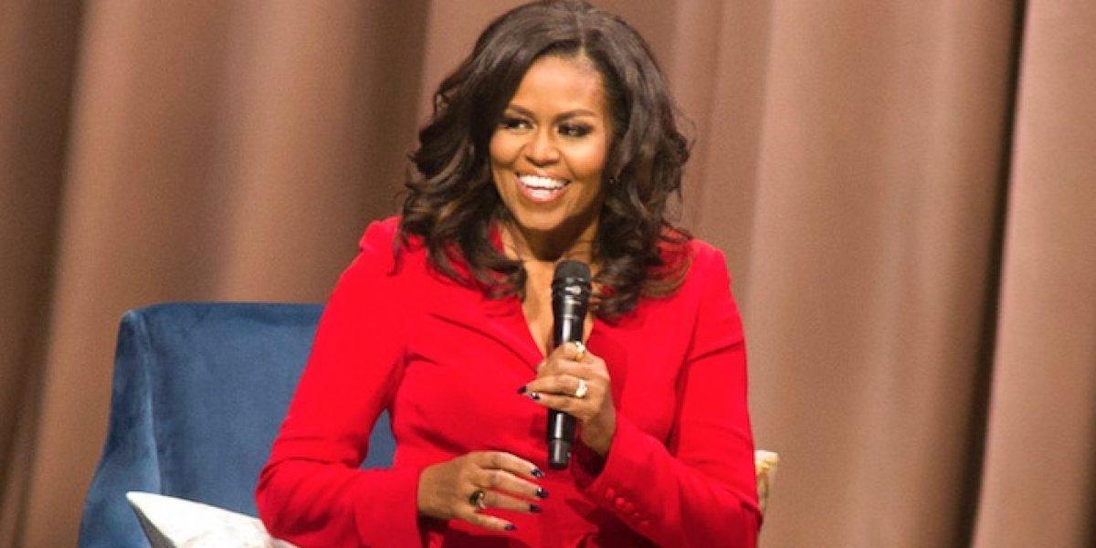 Ventas de libro de Michelle Obama superan los 2 millones