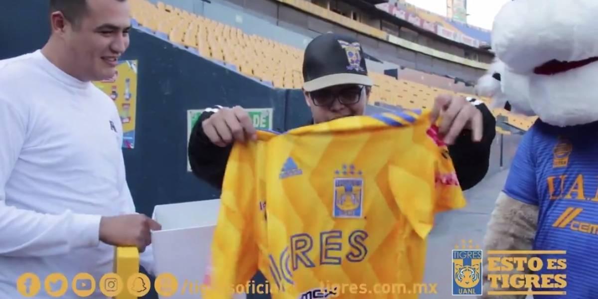 Tigres invita a joven agredido en Clásico Regio al duelo ante Pumas