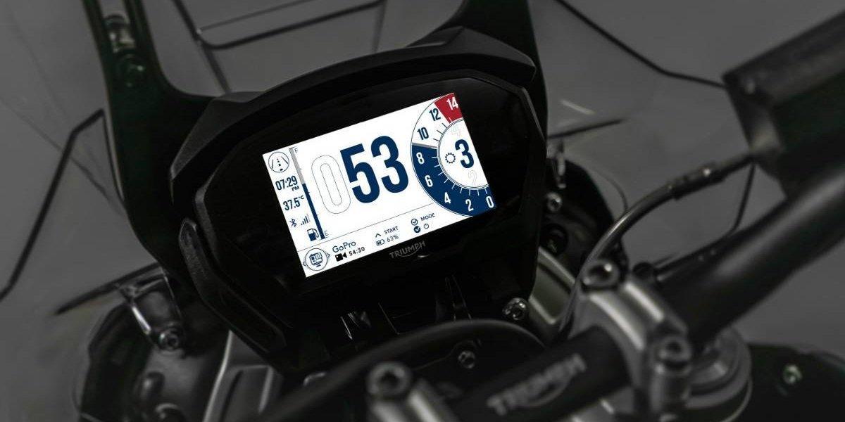 Triumph entra fuerte en la conectividad para sus motos
