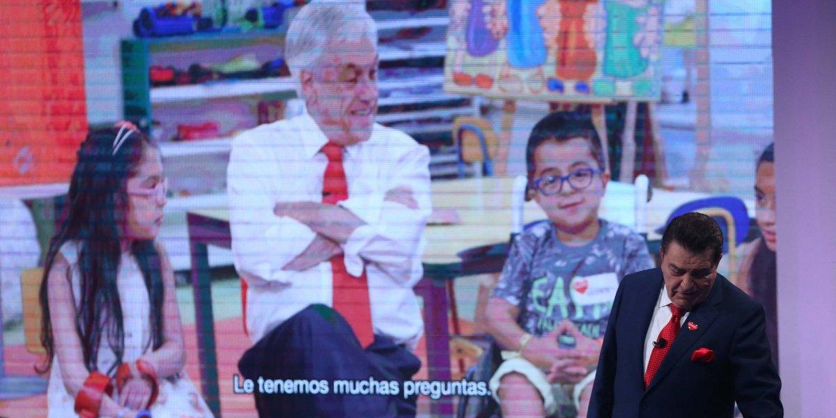 Teletón recordó imágenes de Piñera cantando en los noventa