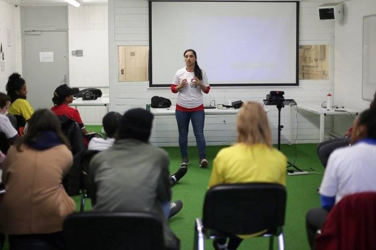 Khalida Popal es una de las futbolistas víctimas de abuso sexual, del caso de Afganistán que investiga la FIFA.