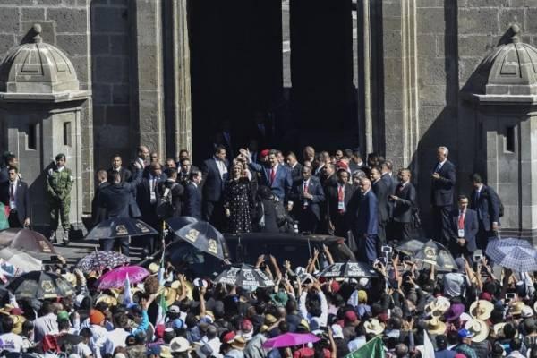 Nicolás Maduro es abucheado en México