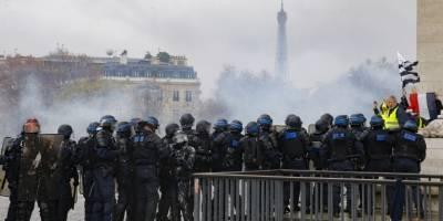 protestasparisfrancia11-bab4c2e344135ab163e6f1cf2101fe15.jpg