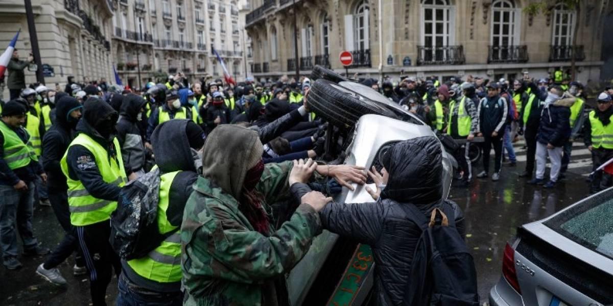 Violentos enfrentamientos en París en nueva protesta contra Macron
