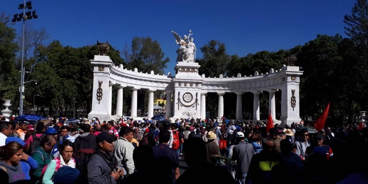 CNTE marcha para exigir juicio contra Peña Nieto