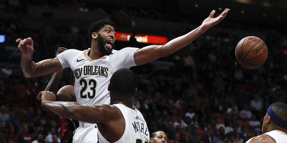 Anthony Davis brilla por los Pelicans ante los Hornets