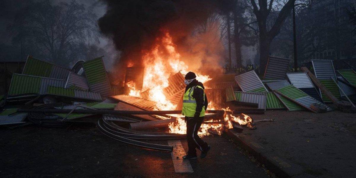 Arde París: 133 heridos y 142 detenidos en violenta jornada de protestas en la capital francesa