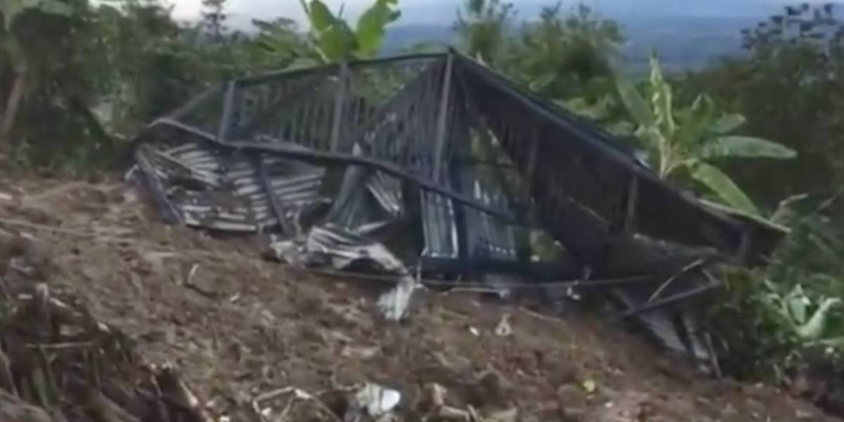 Gobierno lamenta muerte de dos personas en alud que arrasó escuela