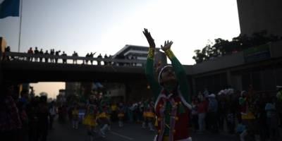 desfilenavidenofestivalsexta7-374639ede018763a3d15317615ebbce3.jpg