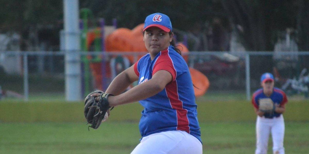 Las Lobas lideran el Béisbol Superior Femenino