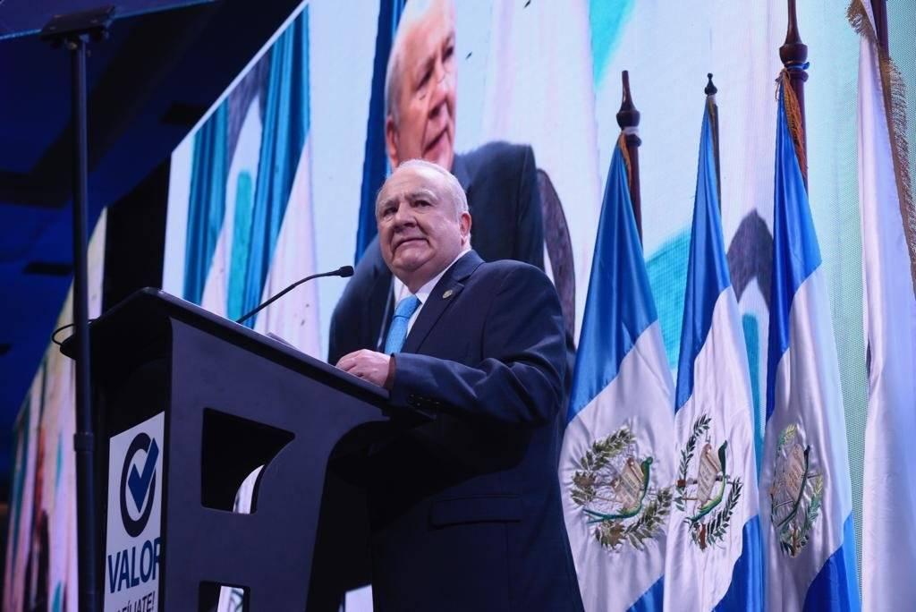 Roberto Molina Barreto aspira ser vicepresidente del país con el partido político Valor. Foto: Omar Solís