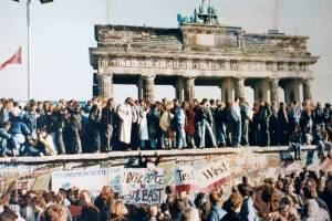 Caída del muro de Berlín y fin de la Guerra Fría