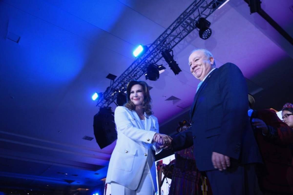 Zury Ríos y Roberto Molina Barreto son los candidatos a la presidencia y vicepresidencia del partido Valor. Foto: Omar Solís