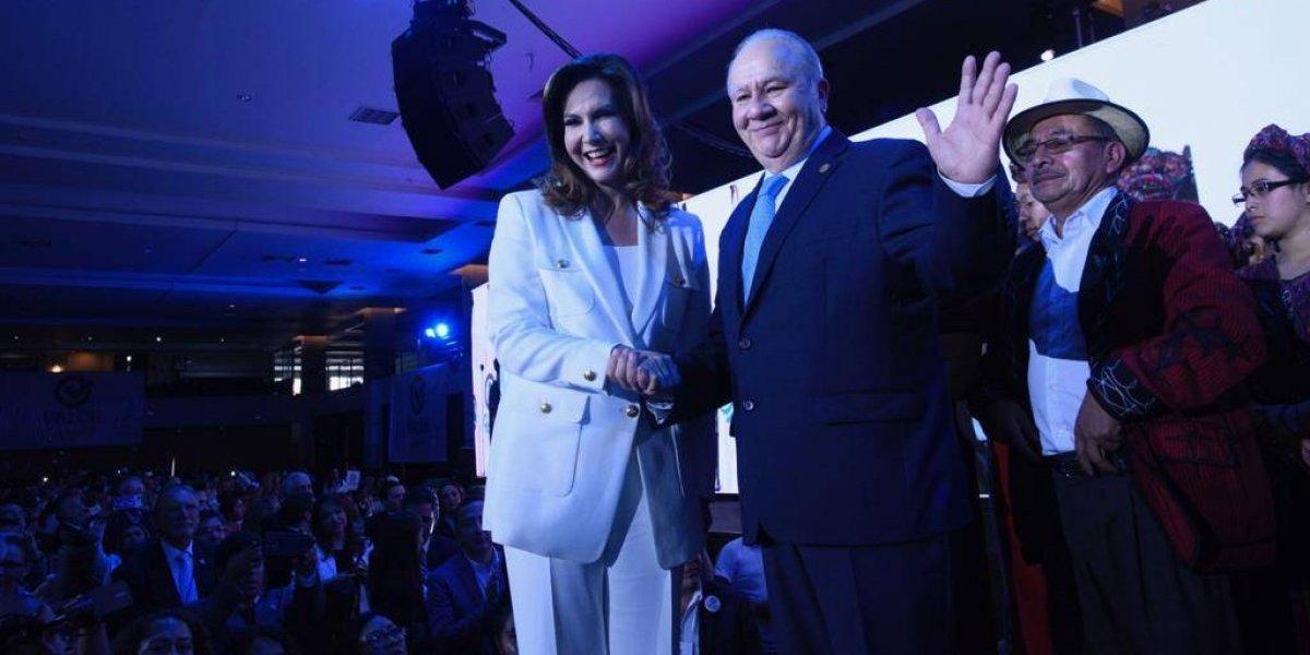 Proclaman a Zury Ríos y Roberto Molina Barreto como binomio presidencial