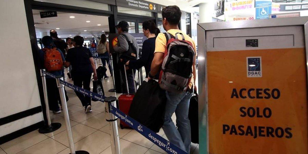 Para que no sea un caos: Aeropuerto de Santiago anuncia medidas de contingencia para el periodo de vacaciones