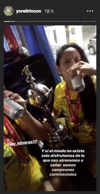 Yoreli y JayBeso de Yoreli Rincón y su novia en la celebración