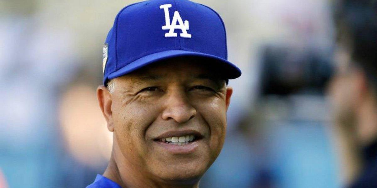 Dodgers acuerdan con manager Dave Roberts por 4 años