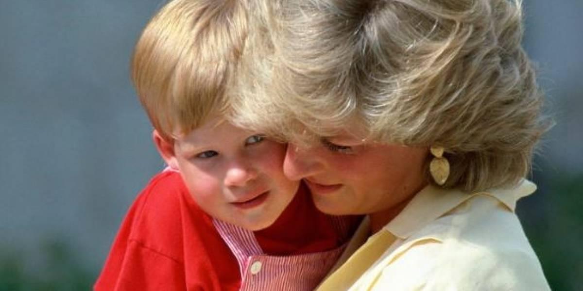 """""""El príncipe Harry nació de milagro"""""""