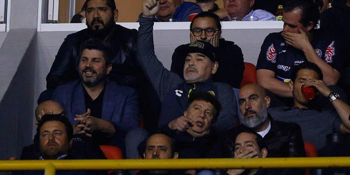 Abren investigación en contra de Maradona