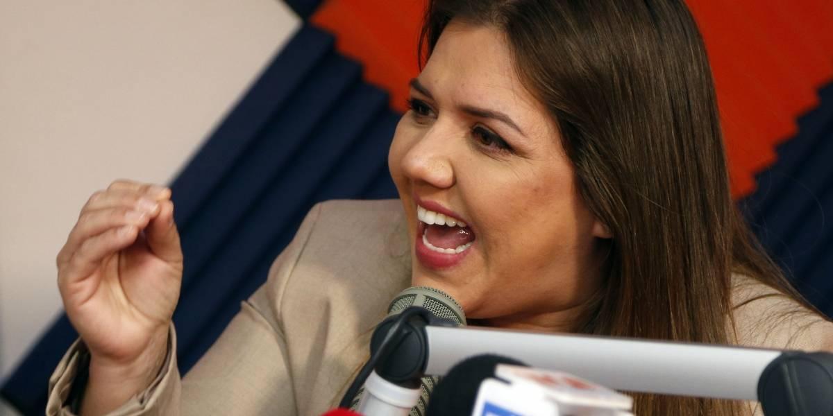 María Alejandra Vicuña reacciona tras quedarse sin funciones para poder defenderse