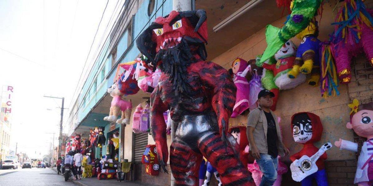 Diablos de dos cabezas y hasta de cuatro metros te esperan para la tradicional Quema del diablo