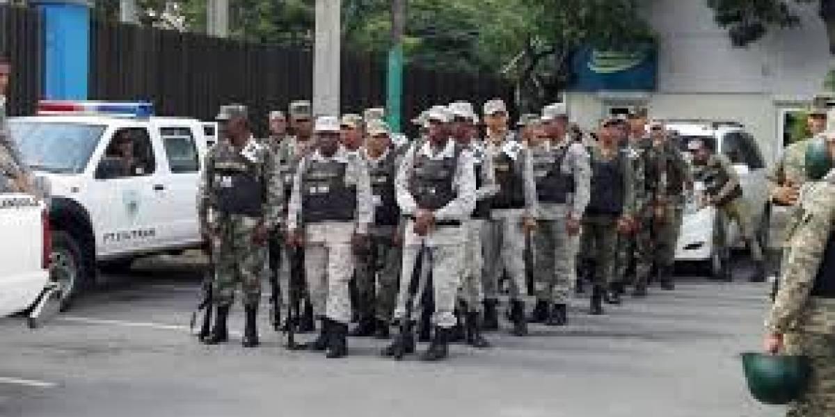 Más de 29.000 policías y militares vigilarán calles de RD por Navidad