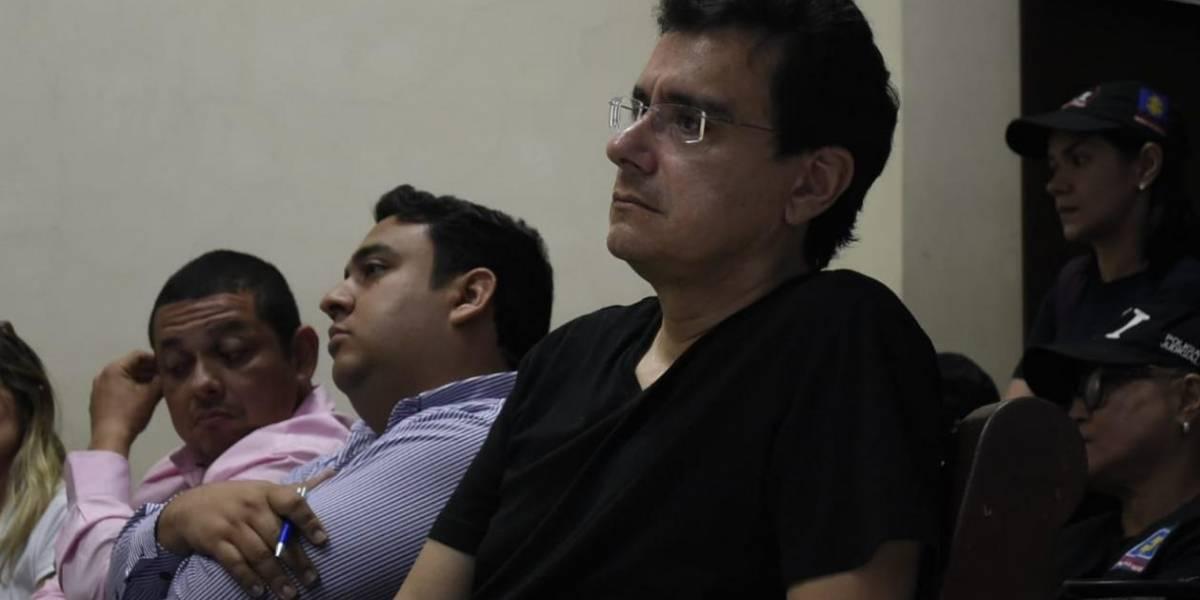 Por un dolor en el pecho, exrector de la Autónoma, tuvo que ser llevado de urgencias