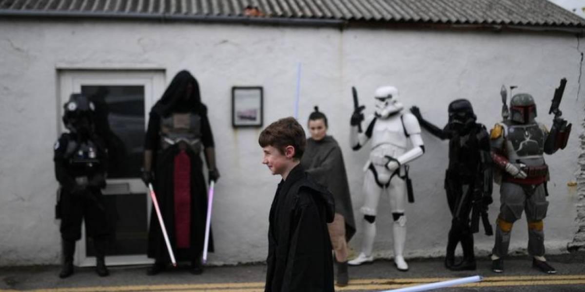 Sabre de luz de Luke Skywalker será destaque em leilão de 'Star Wars'; veja outros itens