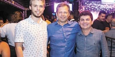 Vinicius, Rossine e Roney Consedey comemoraram os 42 anos da Rede Santa Lucia