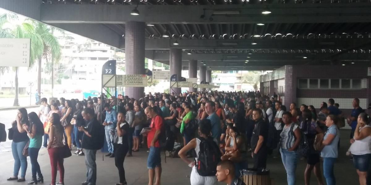 Motoristas e cobradores entram em greve na Grande Vitória