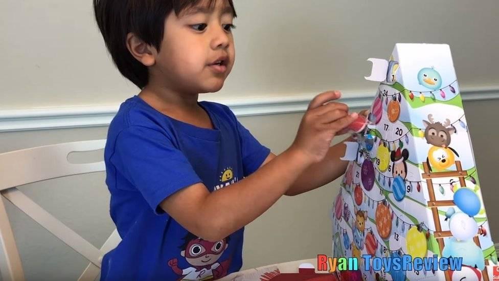 Niño de 7 años hace 22 millones de dólares con sus videos de YouTube en 2018 (VIDEO)