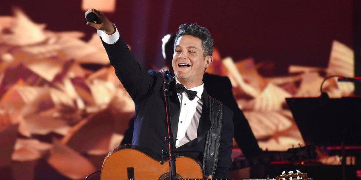 """Alejandro Sanz invita a """"dejar el celular"""" en esta Navidad"""