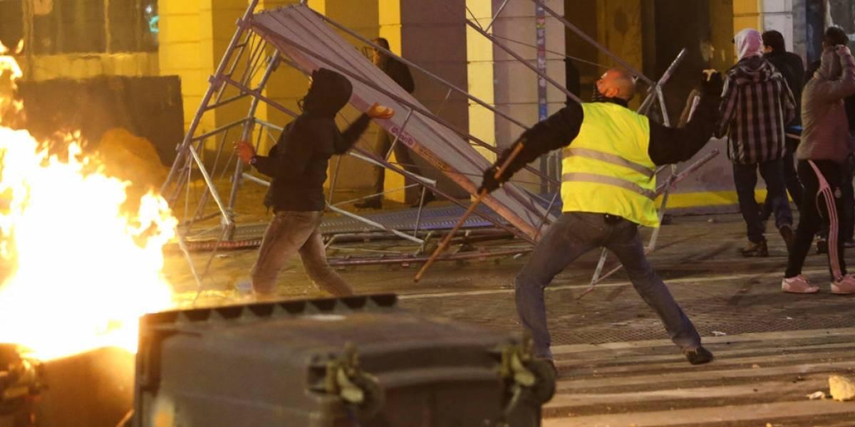 Chaquetas amarillas le ganan el primer round a Macron: Francia suspende alza de impuestos a los combustibles