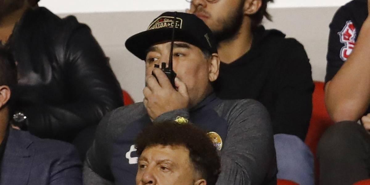 El nuevo escándalo de Maradona podría costarle un duro castigo en el ascenso mexicano