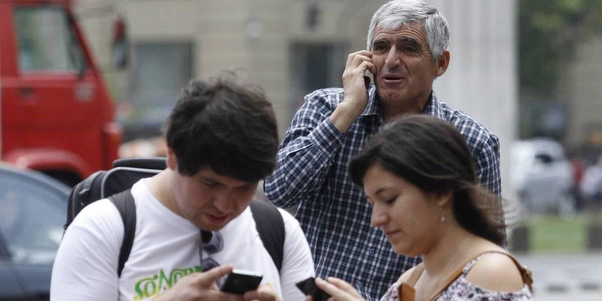 Contraloría confirma rebaja en cargos de acceso entre compañías móviles que podría generar caída en las tarifas