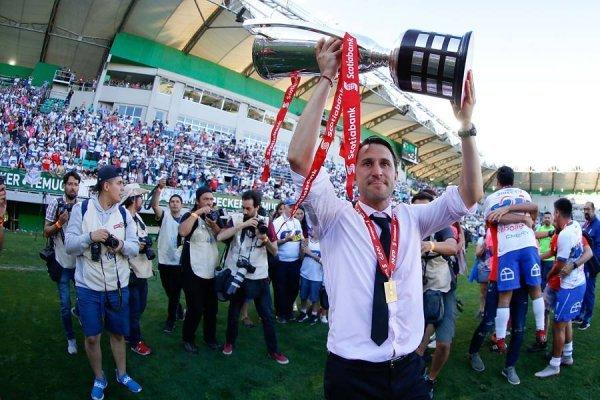 Beñat San José, campeón del fútbol chileno / imagen: Agencia UNO
