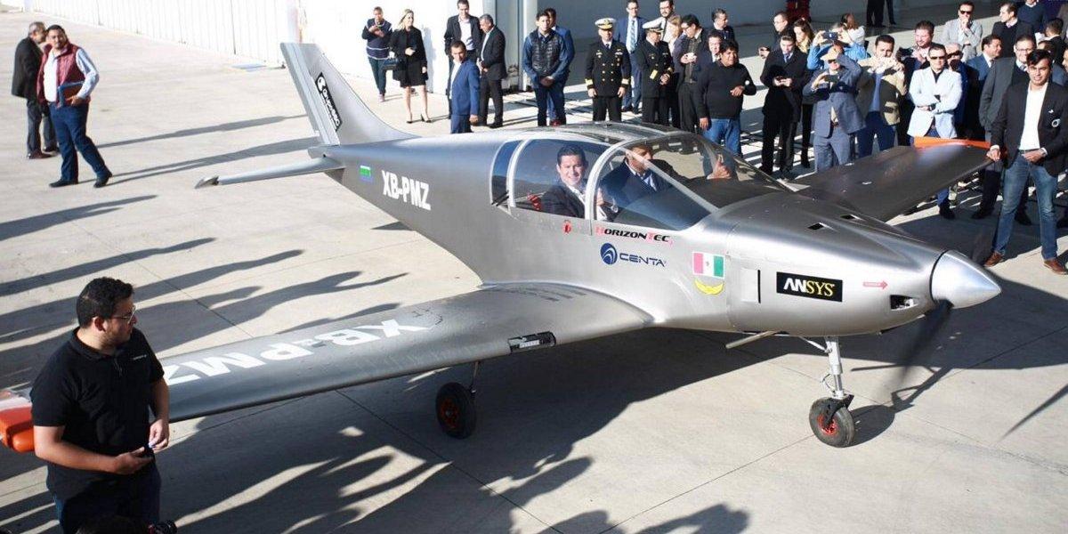 Después de 77 años, crean prototipo de avión comercial en México