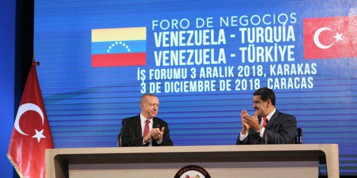 """Oro venezolano a Turquía como garantía: Erdogán lanza """"salvavida"""" financiero a Maduro"""