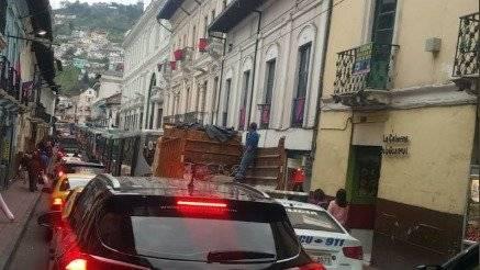 Tráfico en Eel centro de Quito Twitter AMT