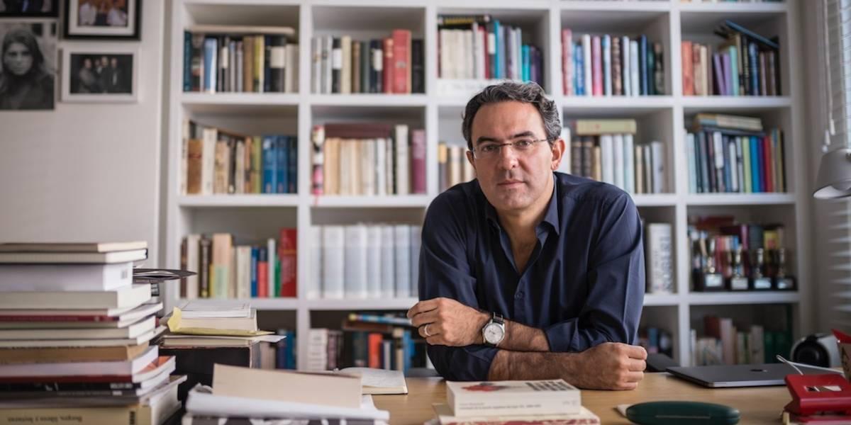 """""""Somos animales que cuentan historias"""": Juan Gabriel Vásquez"""