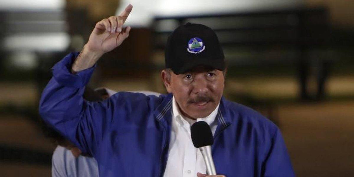 """Presidente de Nicaragua tilda de """"peón del imperio"""" a su hermano"""