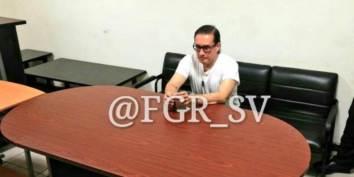 Condenan a cinco años de prisión a exfiscal general de El Salvador
