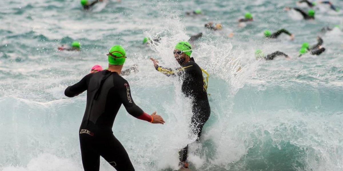 Triatleta muere tras ser herida por bote salvavidas