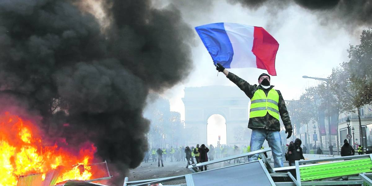 París se hunde entre destrozos e incertidumbre