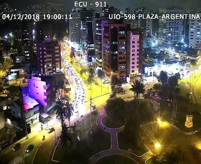 TRÁFICO PESADO EN QUITO PLAZA ARGENTINA ECU 911