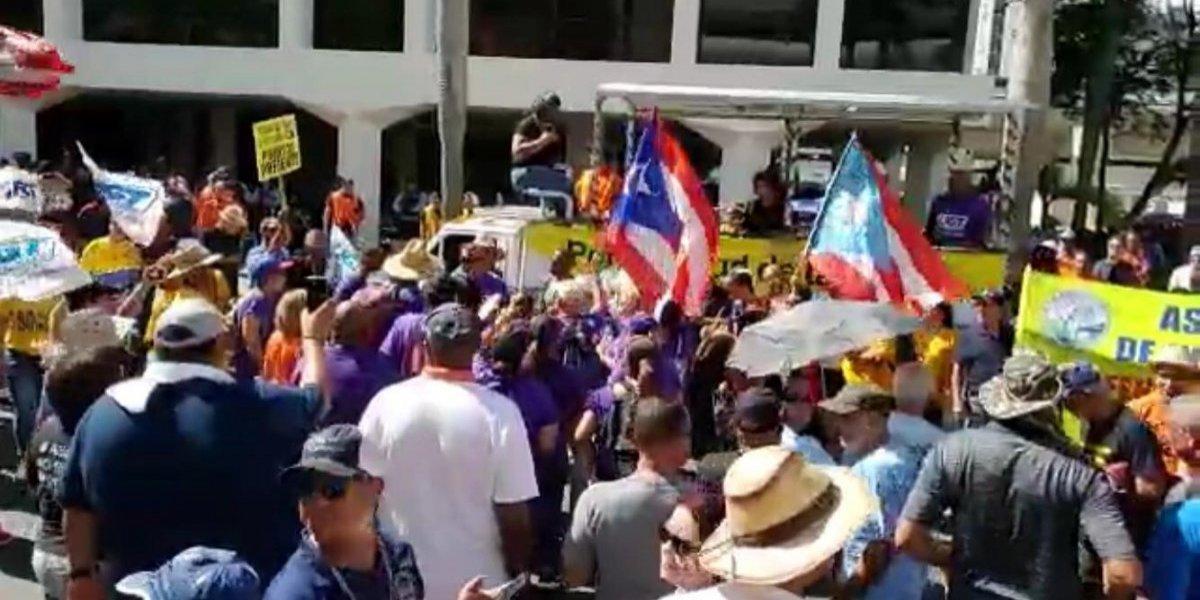 Cerrada la Muñoz Rivera en Hato Rey por manifestación